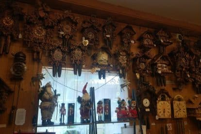 German Cuckoo Clock Nest-03